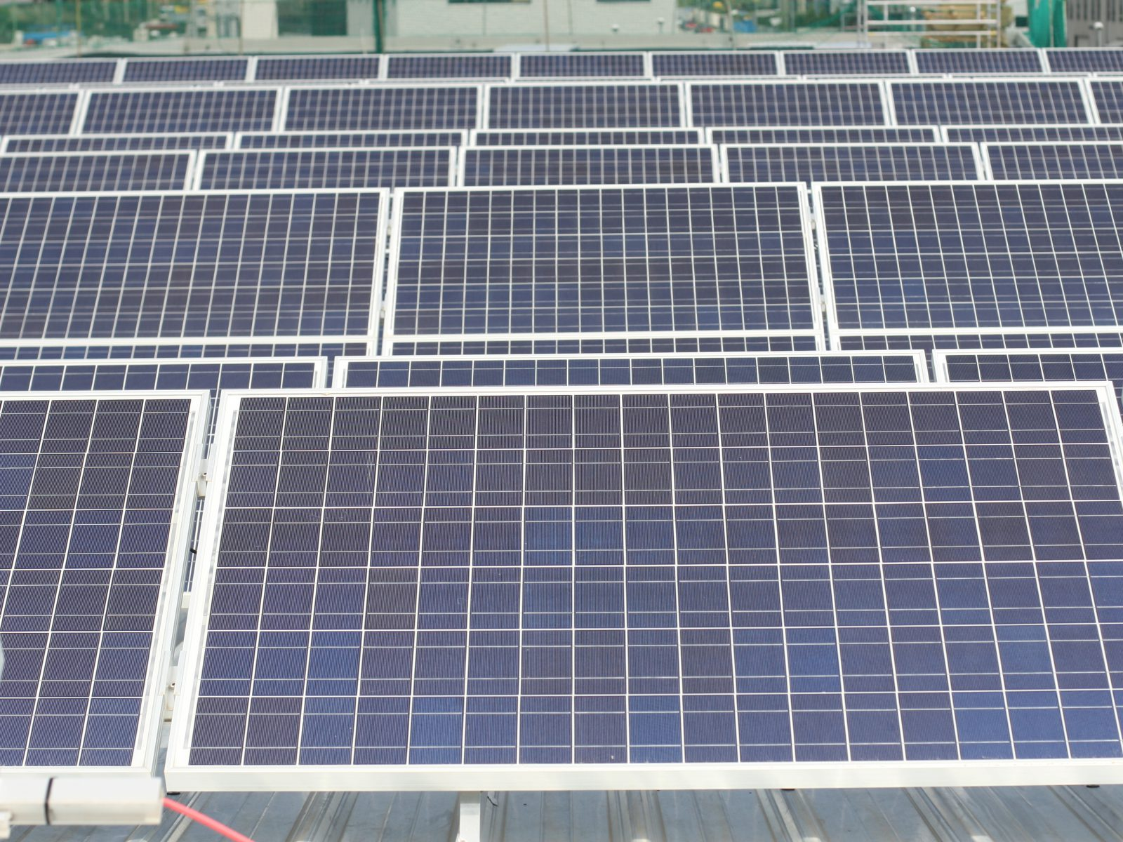 Photovoltaic project on roof of 2MW