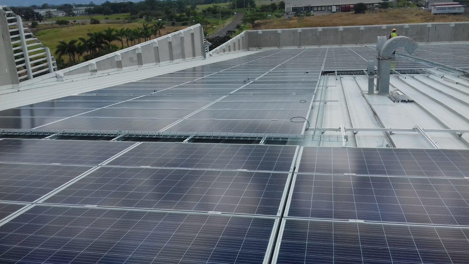 Photovoltaic solar installation on deck: 488 kWp (Costa Rica)